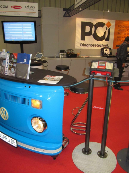 PCI Diagnose carried out live demonstrations of diagnostic work and software updates on the Acctiva Professional Flash and the Acctiva Professional 35A.