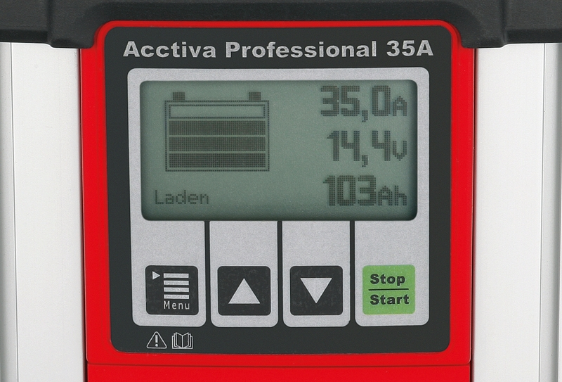 In the case of AGM and EFB batteries, the voltage on the Acctiva Professional 35A and the Acctiva Professional Flash can, if required, be set on the display to match the manufacturer's specifications.