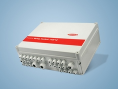 The Fronius String Control 100/12 is the perfect monitoring system for 3-phase Fronius IG Plus 120 V and 150 V devices.